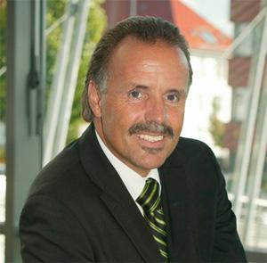 Herr Helmut Rufe